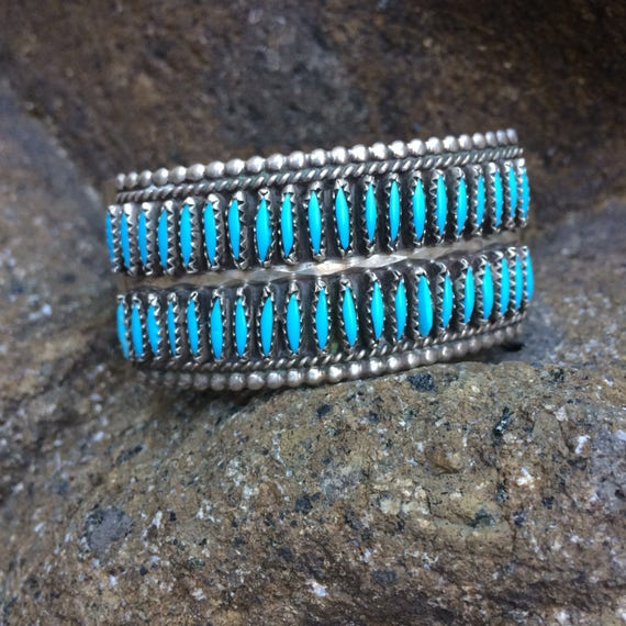 Lovely vintage zuni sterling and turquoise needlepoint cuff