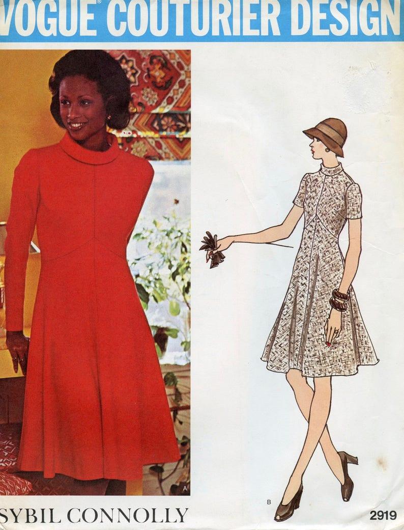 08fb6da366 Vogue 2919 wzór sukni pasują   Flare sukienka walcowane
