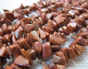 4-12mm Goldstone Chip Beads S272