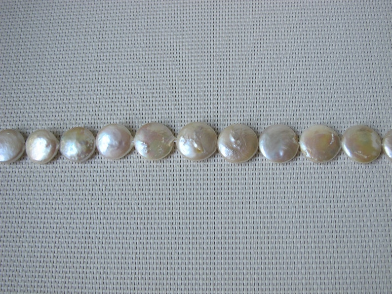 17-18mm Creamy White Coin Fresh Water Pearl PL93