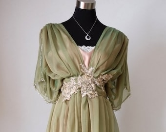 Edwardian dress Downton Abbey inspired. Alternative Green wedding dress for Titanic, Somewhere in time event. Edwardian fashion recollection