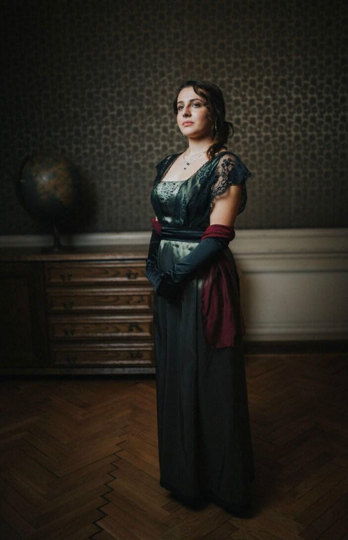 Green plus size Edwardian Dress with black lace for Titanic, Downton Abbey wedding or dinner. Recollection of Edwardian era fashion.
