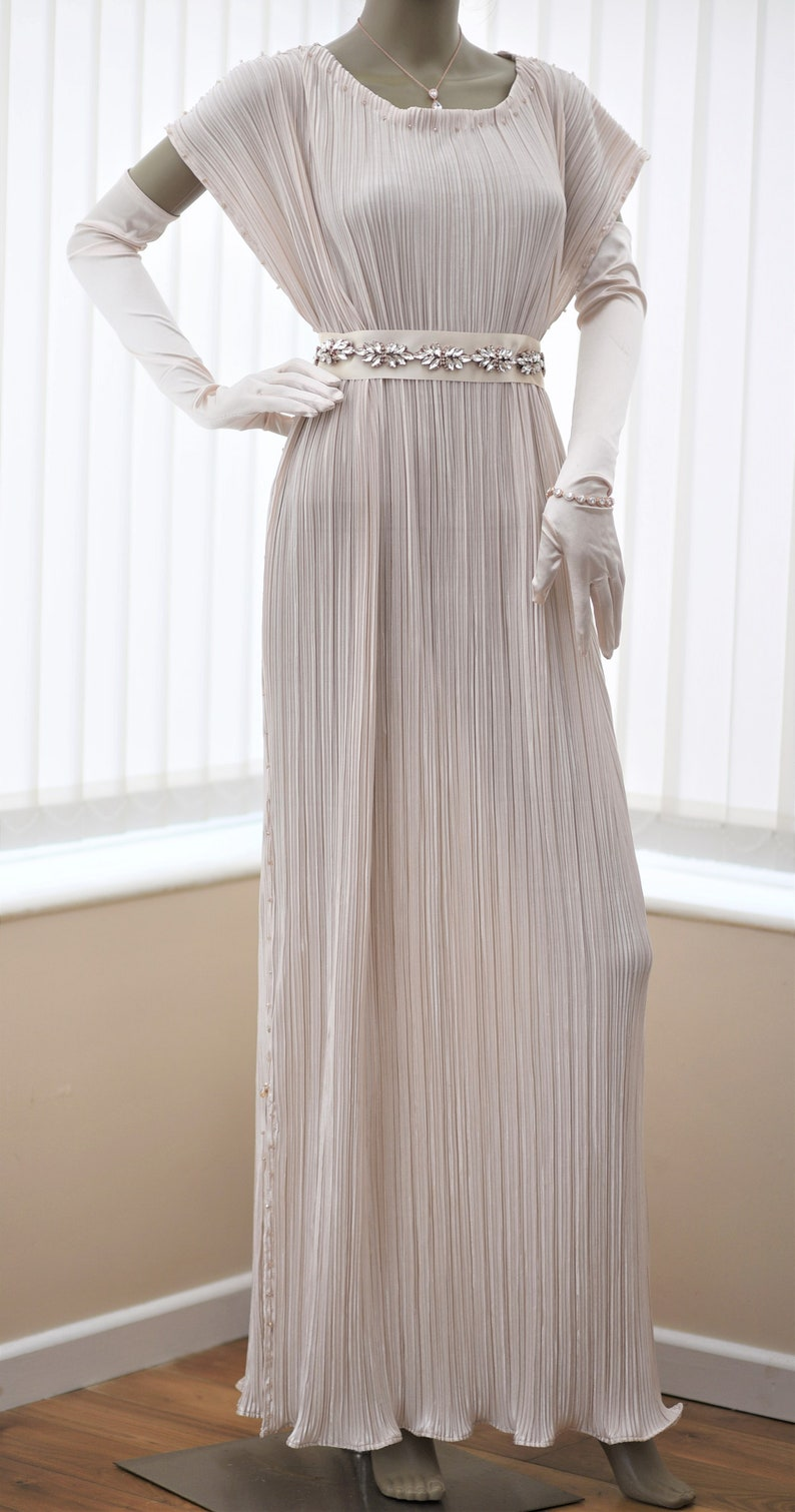 1920s Wedding Dresses- Art Deco Wedding Dress, Gatsby Wedding Dress Cream Pleated wedding dress Downton Abbey Lady Mary pleated dress Chiton Delphos gown Edwardian 20s 30s gown Alternative wedding dress $333.00 AT vintagedancer.com