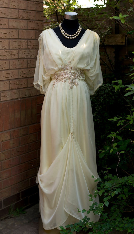 Vintage Style Wedding Dresses, Vintage Inspired Wedding Gowns Cream Edwardian wedding dress Downton Abbey Steampunk Alernative wedding dress Yellow dress Mother of Bride dress Titanic wedding 0-26 US $406.35 AT vintagedancer.com