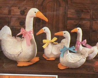 6721 Simplicity Sewing Pattern Large & Small Stuffed Animal Goose Plush Vintage 1980s