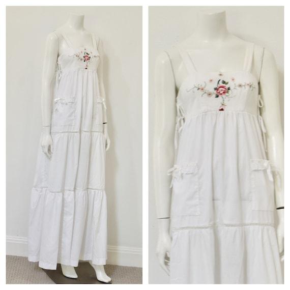 70s Prairie Style Dress/ White Floor Length Maxi D