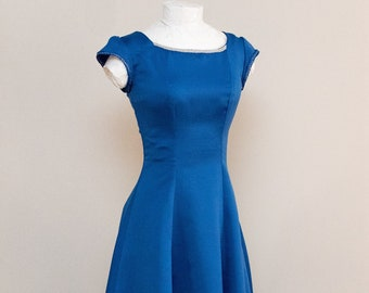 Medium Blue Formal / Prom / Bridesmaid Gown