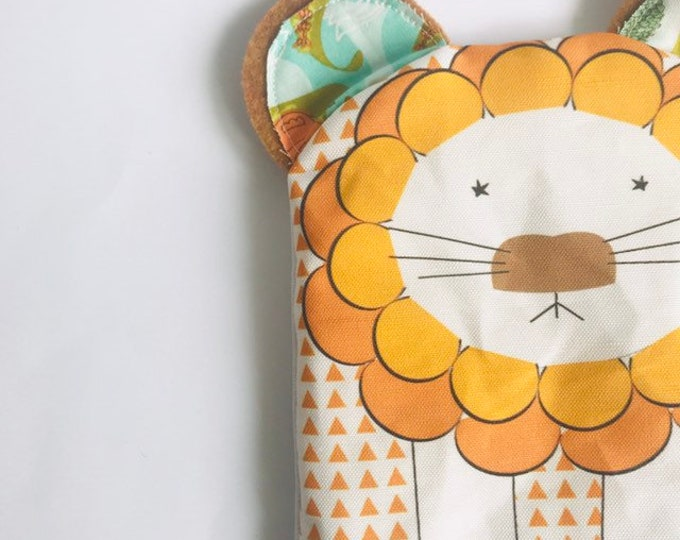 Reusable Lined Zipper Bag- Lion