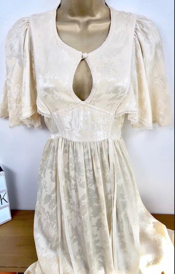 Pale Yellow / Cream True Vintage 1940s Handmade Dr