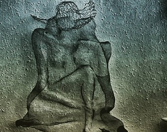 Wabi sabi Wall hanging art Beach Girl With Hat Torso Modern art Wire metal mesh sculpture Nude metal Bedroom decor Abstract contemporary