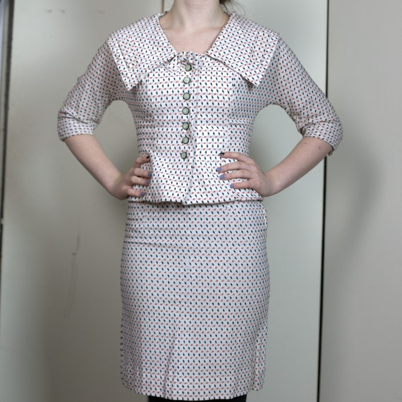 Vintage original 1940s two piece skirt suit.