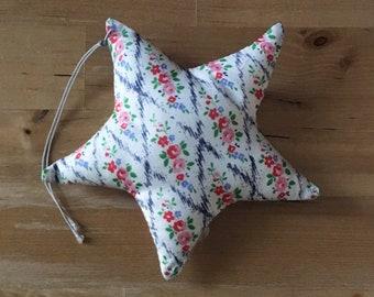 Decorative star in Liberty Mae Trellis