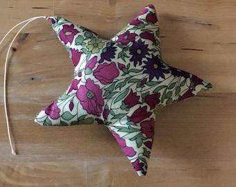Decorative star in Liberty Poppy and Daisy plum