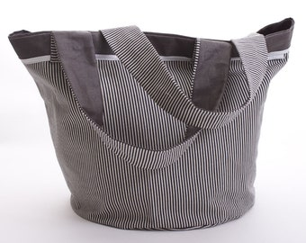 Round bag with black stripes and PuTTY