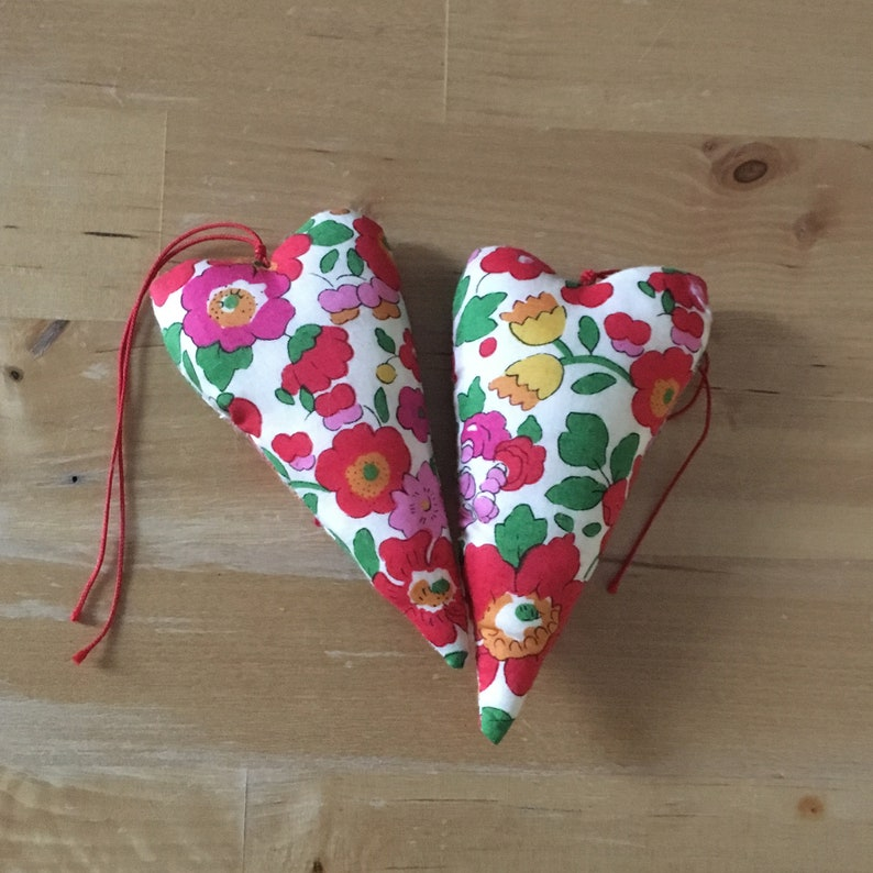 Duo of decorative hearts made from Liberty betsy grenadine image 0
