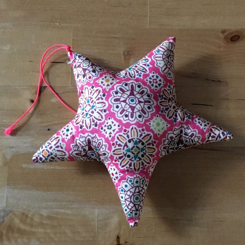Decorative star in Liberty Helena's pink party image 0