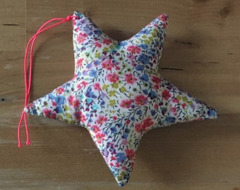 Decorative star in pink Liberty Phoebe