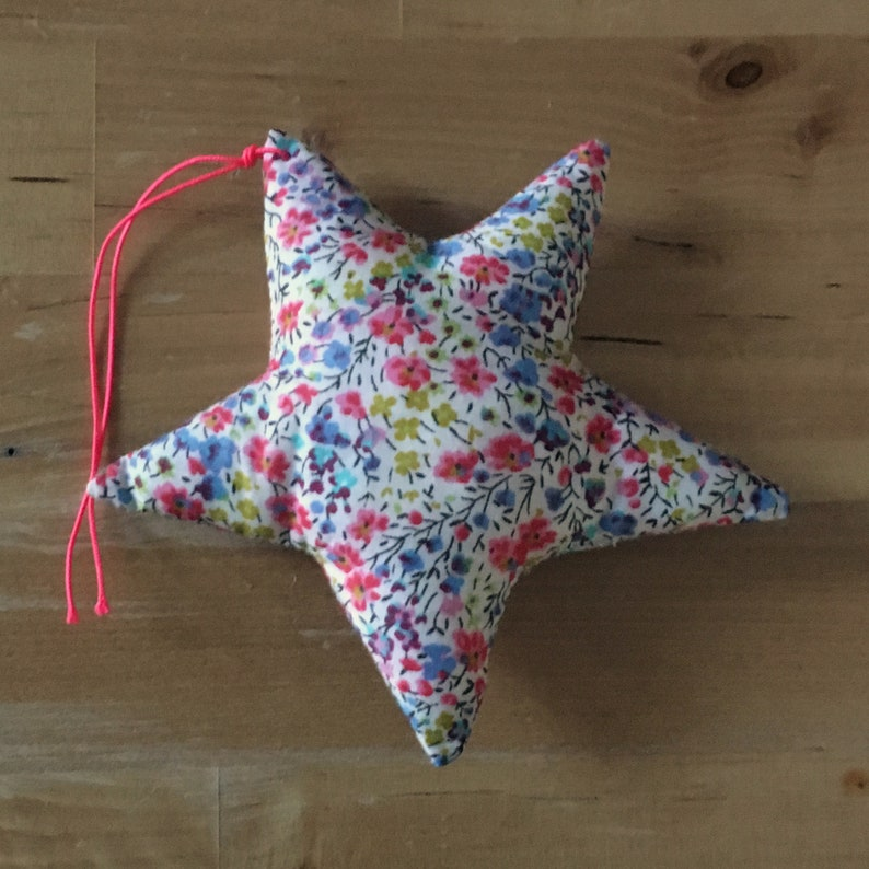 Decorative star in pink Liberty Phoebe image 0
