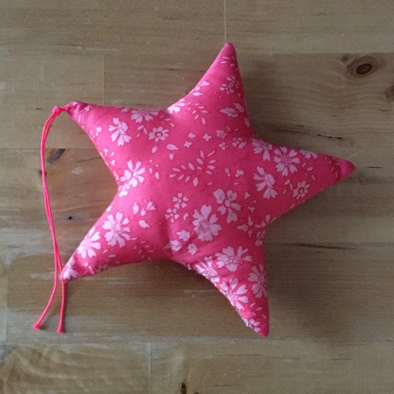 Decorative star in Liberty Capel coral image 0