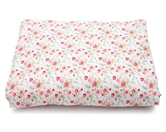 Bouquets of roses retro print padded cover