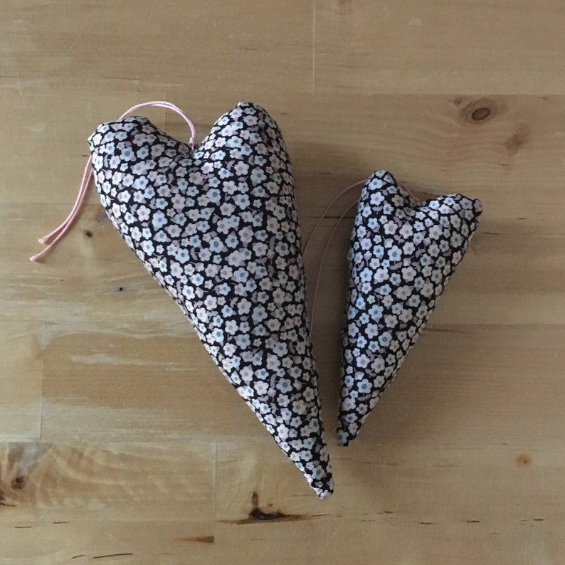 Duo of decorative hearts in pink Liberty Penny fabric image 0