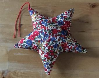 Decorative star in Liberty Emma and Georgina red