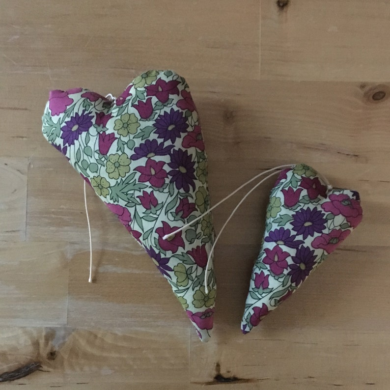 Duo of decorative hearts made from Liberty poppy and daisy image 0