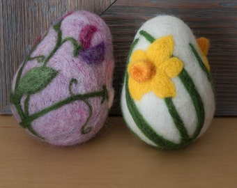 Beautiful needle felted Easter egg with flower design