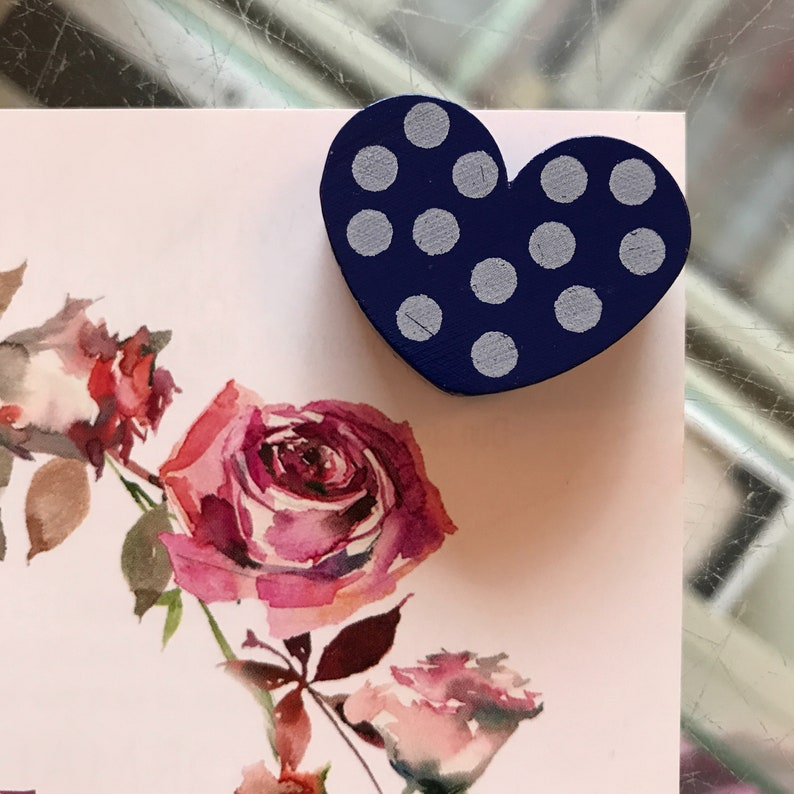 Heart blue with dots wooden bead image 0