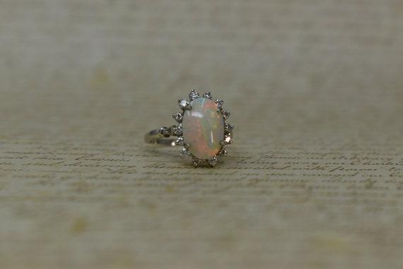 Stunning Vintage 14k Opal & Diamond Ring - 1970s M