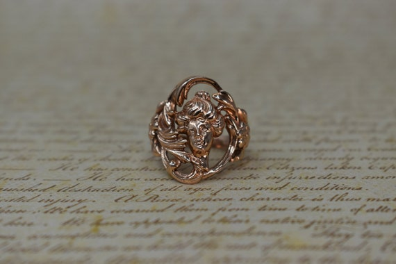 Gorgeous Vintage 14k Rose Gold Lady Ring - 1970s A