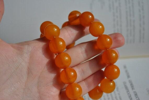 Vintage Bakelite Necklace - 1940s Orange Bakelite… - image 7