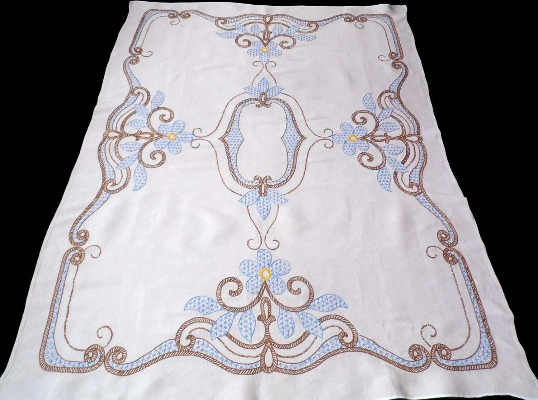 Mantel grande BEIGE de algodón con bordados a mano floral | Etsy