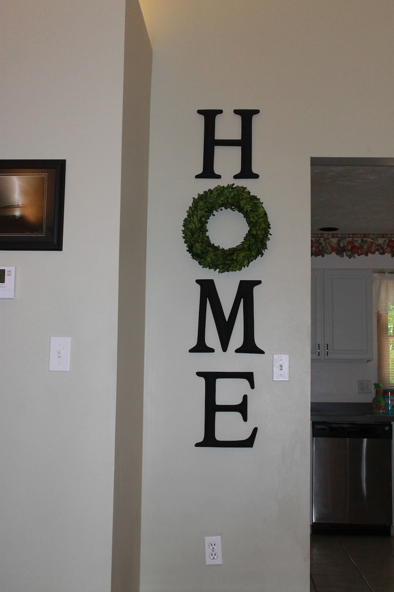 Home Letters Letter Sign With Wreath As O