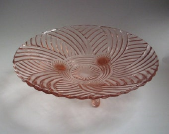 Anchor Hocking Prismatic Pink Glass Bowl Centerpiece Bowl
