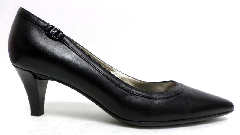44de03e0045 Vintage Black Ferragamo Size 8 C or Wide Pumps Heels or Shoes