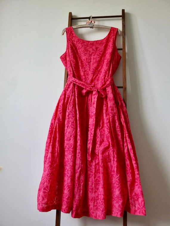 Pink sleeveless summer dress, full skirt, vintage
