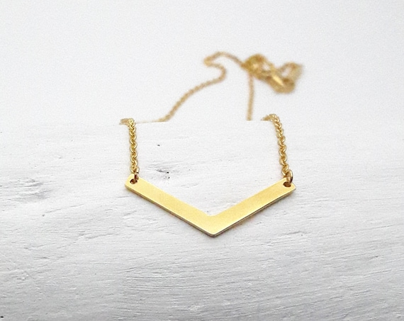 Gold Triangle Geometrical Necklace yellow gold plated 18k stainless steel//V gold necklace//Minimal gold plated necklace hypoallergenic