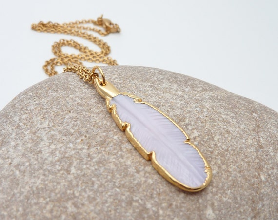 Feather shell necklace white and gold small carved pendant with gold color stainless steel chain