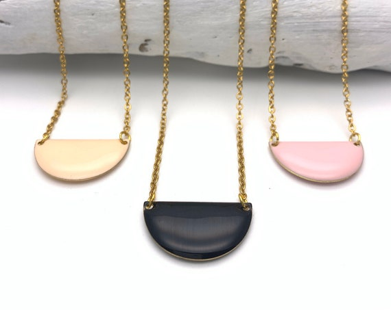 Necklace semicircle enamel and chain gold tone stainless steel