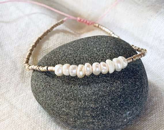 Bracelet baroque pearls and miyuki beads with pink rope adjustable