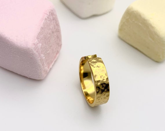 Gold Ring hammered & open 18k gold plated stainless steel