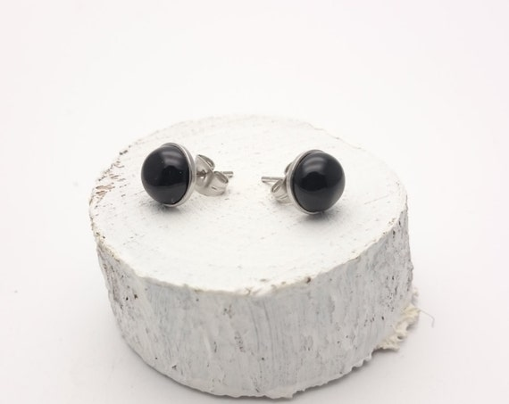 Black onyx round studs 8 mm silver stainless steel earrings//Hypoallergenic gem studs minimal simple classic basic for sensitive ears