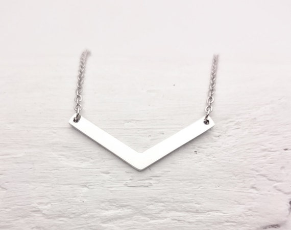 Silver V chevron  triangle Necklace//Geometrical Necklace white gold plated 18k steel//Minimal dainty silver hypoallergenic necklace