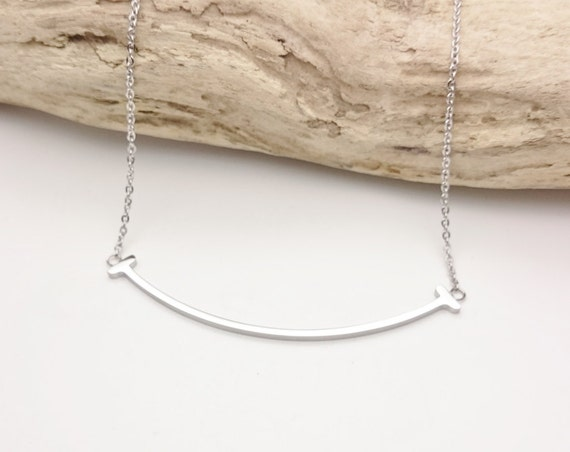 Silver Curved Smile Bar Necklace stainless steel