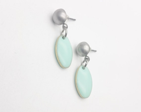 Pastel Green Mint Enamel Oval earrings mat silver stainless steel closures//Hypoallergenic earrings oval mint earrings//Oval pastel dangle