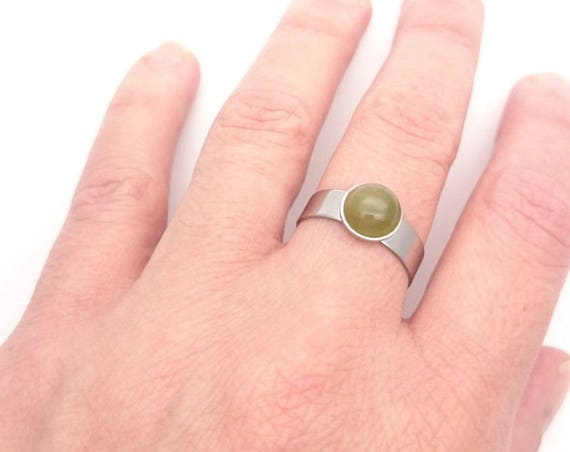 Green Agate Ring//Agate Moss silver adjustable ring 8 mm//Steel Round green agate cabochon ring//Hypoallergenic silver surgical steel ring
