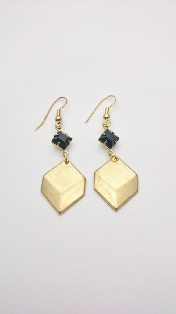 Gold black Cube Retro Earrings//Brass Chevron square dangle//Vintage Cube black glass pearl steel hooks//Hypoallergenic geometric earrings
