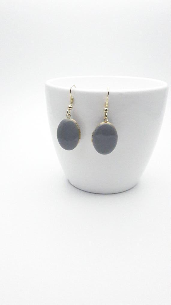 Photo locket Earrings Grey Enamel and gold surgical steel hooks hypoallergenic//Dangle gray earrings//Locket jewelry