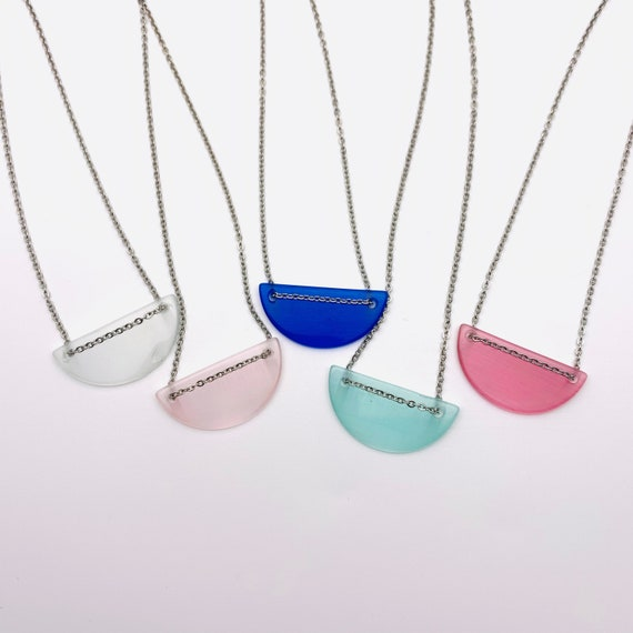 Cat's Eye Color Necklace Semicircle and silver stainless steel chain